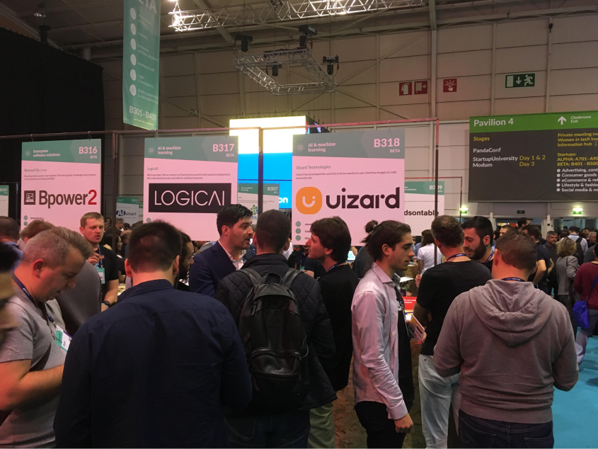Uizard-Web-Summit-booth
